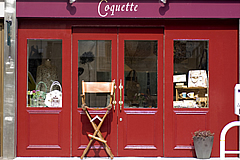 coquette appearance
